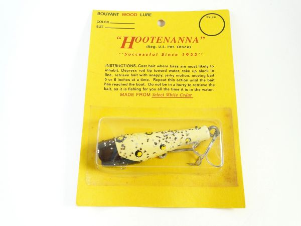 Hootenanna Wood Luminous Fishing Lure New Old Stock in Package