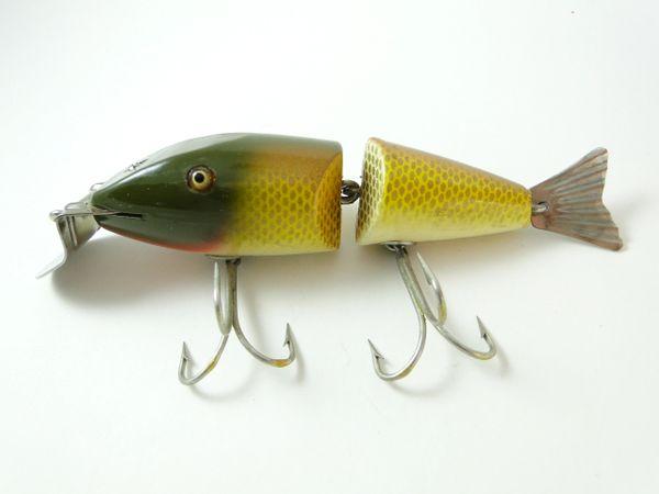 Creek Chub 2404 Wigglefish EX+ Wood Glass Eyes