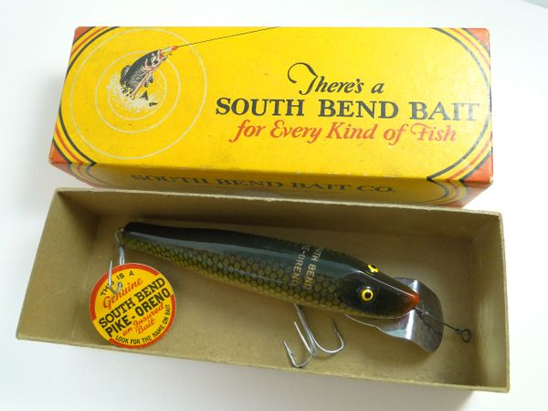 South Bend 957 SF Pike Oreno Scale Finish with Green Blend Total Screamer! NEW IN BOX with Rare Tag!