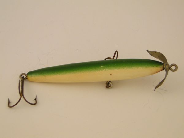 Paw Paw Unknown Name Fishing Lure Spinner Bait