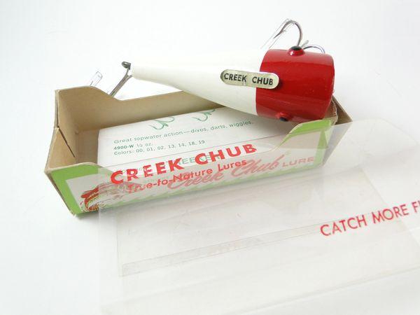 Creek Chub 3202 Series Plunker Red White NEW IN BO