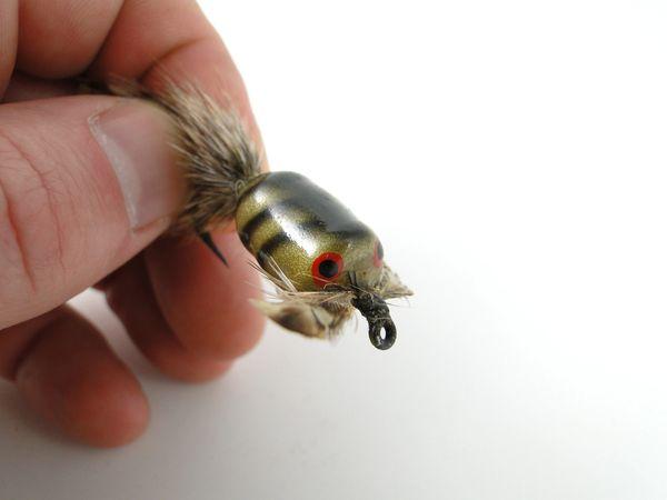 Heddon Bug A Bee grey striped EX+