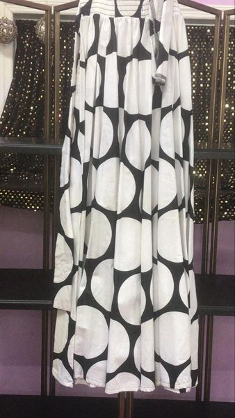 Circular White & Black Skirt L