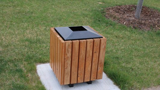 WR 102 Waste Receptacle