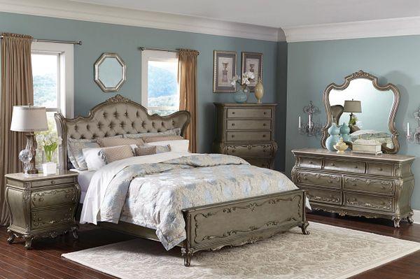 4 Piece Old World European Style Bedroom Set (KRXE1867B)