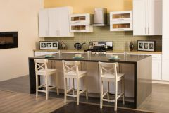 White Shaker Kitchen Cabinets (Call or Email for Pricing! )