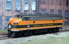 ATHEARN GENESIS GREAT NORTHERN #452 EMD F7A LOKSOUND/KEEP ALIVE/DCC