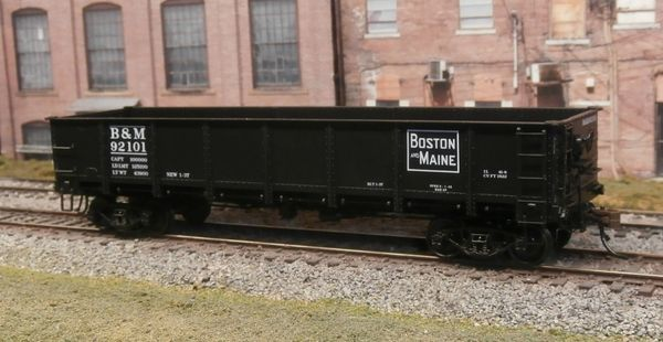 RED CABOOSE #RR-35003-2 BOSTON & MAINE #92101 DROP BOTTOM GENERAL SERVICE GONDOLA