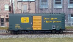 KADEE HO CUSTOM PAINTED MAINE CENTRAL #24068 40' PS-1 BOXCAR