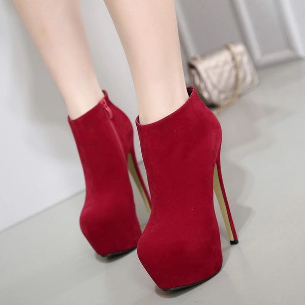 Classical Model Round Toe Suede Women Boots
