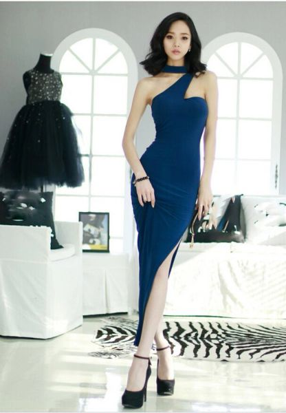 High Quality All Match Sleeveless Halter Neck Sexy And Elegant Vent Bodycon Dress