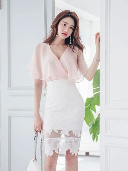Low V Cut Chiffon Blouse With Lace Skirt Women Suits