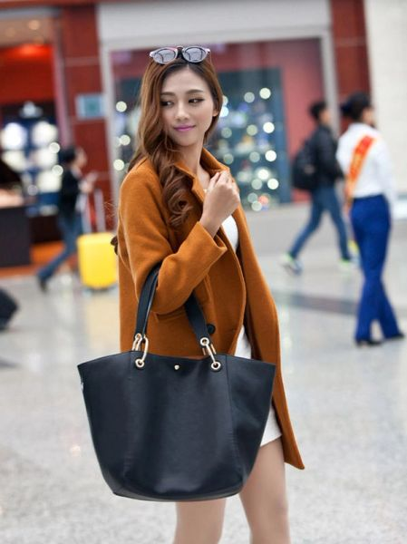 Brief Style Solid Hasp One Shoulder Bag