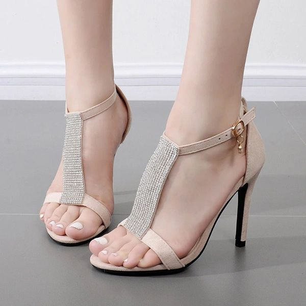 Stylish Diamonds Patch Stiletto Sandals