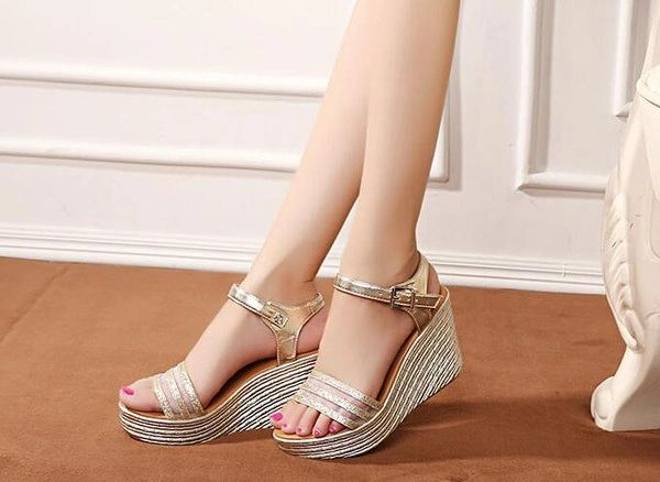 One-buckle Belt Wedge Women Sandals