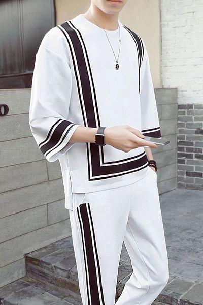 Stripe Decorated O Neck Men Sport Suit