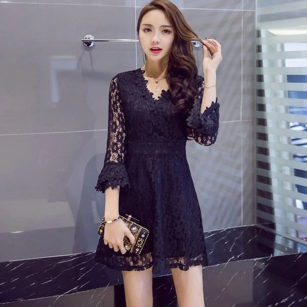 Chic Flare Sleeve V Neck Lace A Line Dress