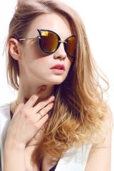 Chic Cat Eye Perspective Sunglasses