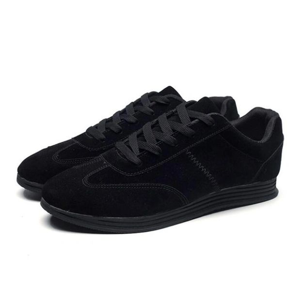 Cozy Round Toe Lace Up Solid Men Sneakers