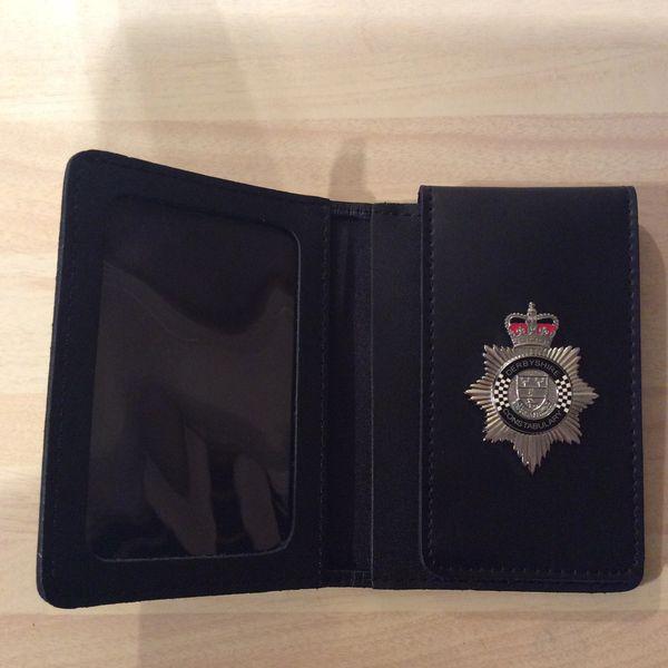 Derbyshire Constabulary badged warrant card wallet. Version 2