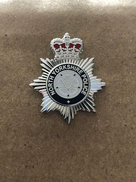 North Yorkshire Police pin badge / lapel badge
