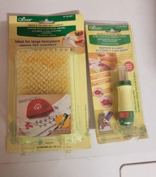 Clover needle felting tool with brush mat ( set )