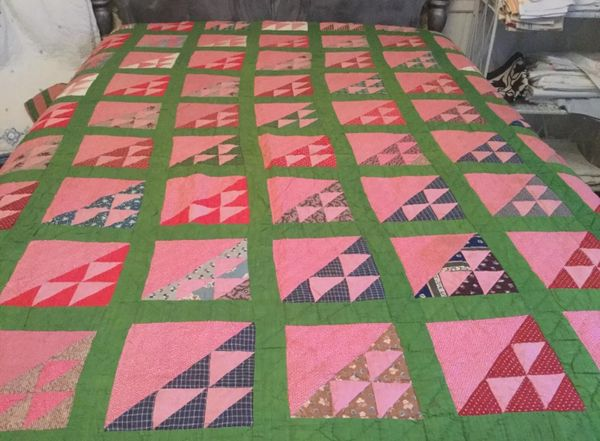 Vintage Quilt with Flying Geese