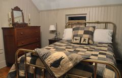 Kettle Grove Quilt (Queen)