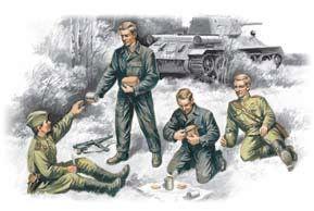 1/35 Soviet Tank Crew 1943-45 (4) - ICM 35351