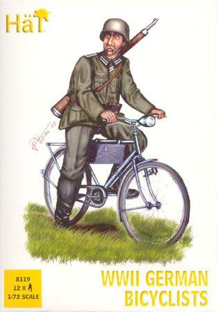 1/72 WWII German Bicyclists (12) - HAT-8119