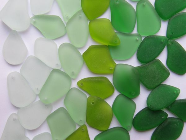 """Green Sea Glass PENDANTS 1"""" Top Drilled 120 pc making jewelry recycled bulk bead supply"""