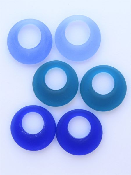 28mm RING PENDANTS DONUT RINGS Assorted Dark Blue 3 Pair Great for making earrings