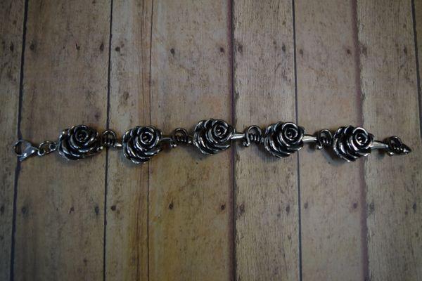 Rose w/ Knife