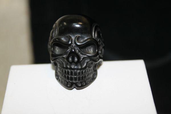Black Skull W/ Side Skulls