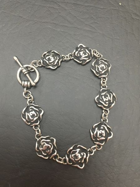 Small Roses W/ Black