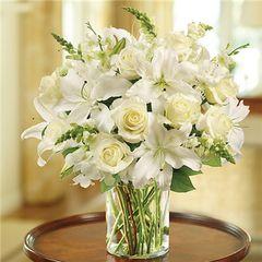 CLASSIC ALL WHITE ARRANGEMENT - ann07