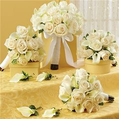 WHITE PERSONAL PACKAGE (1 BRIDAL BOUQUET, 3 BRIDESMAID BOUQUETS AND 4 BOUTONNIERES - wed29