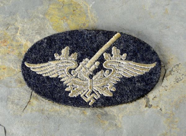 WWII LUFTWAFFE FLAK ARTILLERY PERSONNEL'S TRADE BADGE.(SECOND PATTERN)