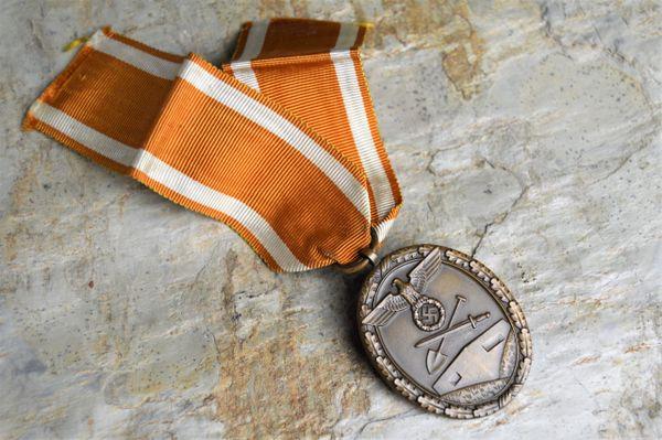 Deutsches Schutzwall-Ehrenzeichen / West Wall medal