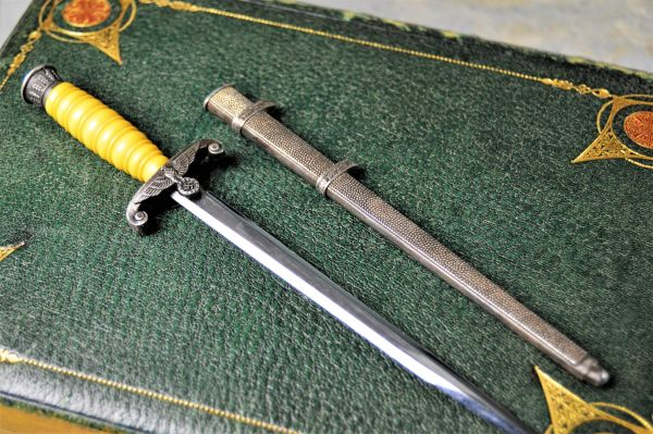 Miniature Heer (Army) Officers Dagger Letter Opener With Scabbard