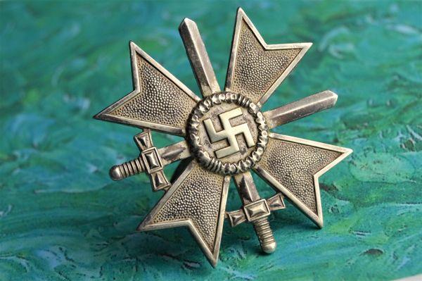 Cased Kriegsverdienstkreuz 1.Klasse mit Schwerten