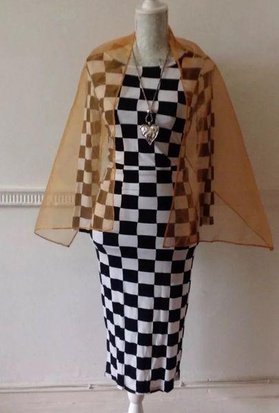 Francesca Long Sleeve Bellow Knee Black & White Checked Body Con Dress Size 10