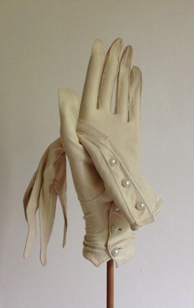 Perrins Vintage Court Suede Three Button Evening Gloves & Plastic Bag.Size 6.5