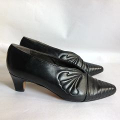 "Trickers Black Leather 2"" Low Heel Slip On Court Shoe Size UK 7 EU 40"