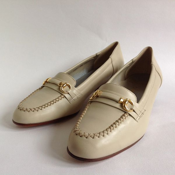 Alexandria Ivory 1980s Vintage Slip On Loafer Vintage Shoe Size UK 3.5 EU 36.5