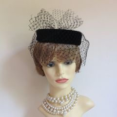 Kangol Vintage 1960s Black Cotton Velvet Pillbox Net Veil And Bow Fully Lined