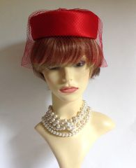 Mitzi Boutique London W1 Vintage 1960s Red Pillbox Hat With Net Face Veil