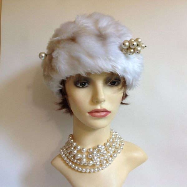 White Vintage 1970s Faux Fur Russian Cossack Style Hat Ivory Lining