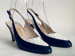Salvatore Ferragamo Vintage 1980s Blue And White Leather Almond Toe Court Shoe Size UK 4.5AA, US 7.5, EU 37.5