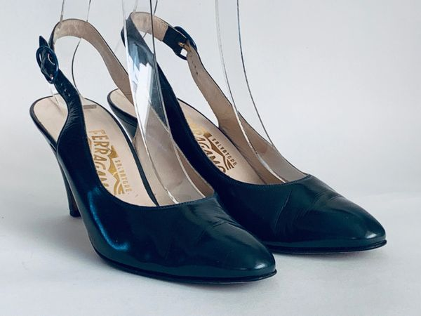 Salvatore Ferragamo Vintage 1980s Greenish Blue Leather Almond Toe Court Shoe Size UK 4.5AA, US 7, EU 37.5